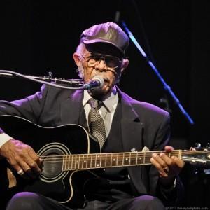 Robert Belfour in concert February 15, 2013